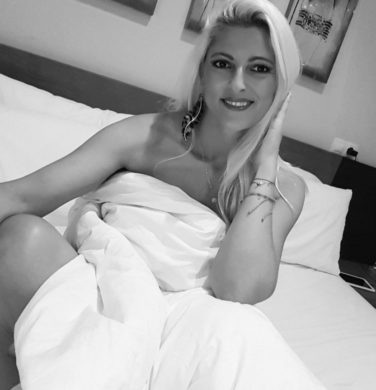 russian girl ready to mingle